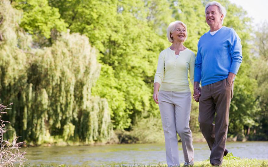 Due minuti di camminata ogni ora riducono il rischio di decesso?